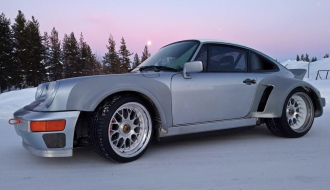 Porsche 911 Restored by Singer DLS on IcePorsche 911 Restored by Singer